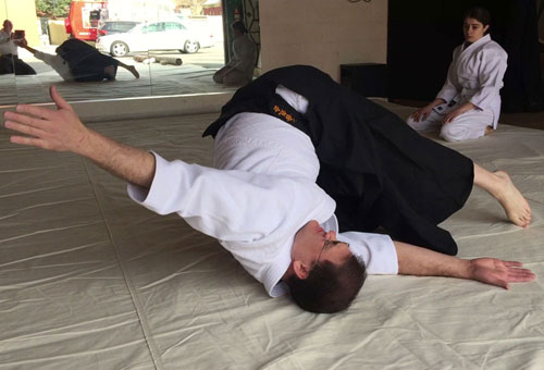 Stretch Aikido Roll